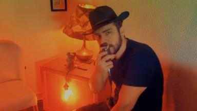 """John Moonstone faz clipe da música """"Graveyard"""" e planeja diversos clipes para entreter quem está na quarentena"""