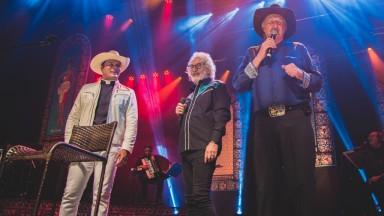 Sérgio Reis, Renato Teixeira e Pe. Alessandro Campos emocionam público em show no Tom Brasil