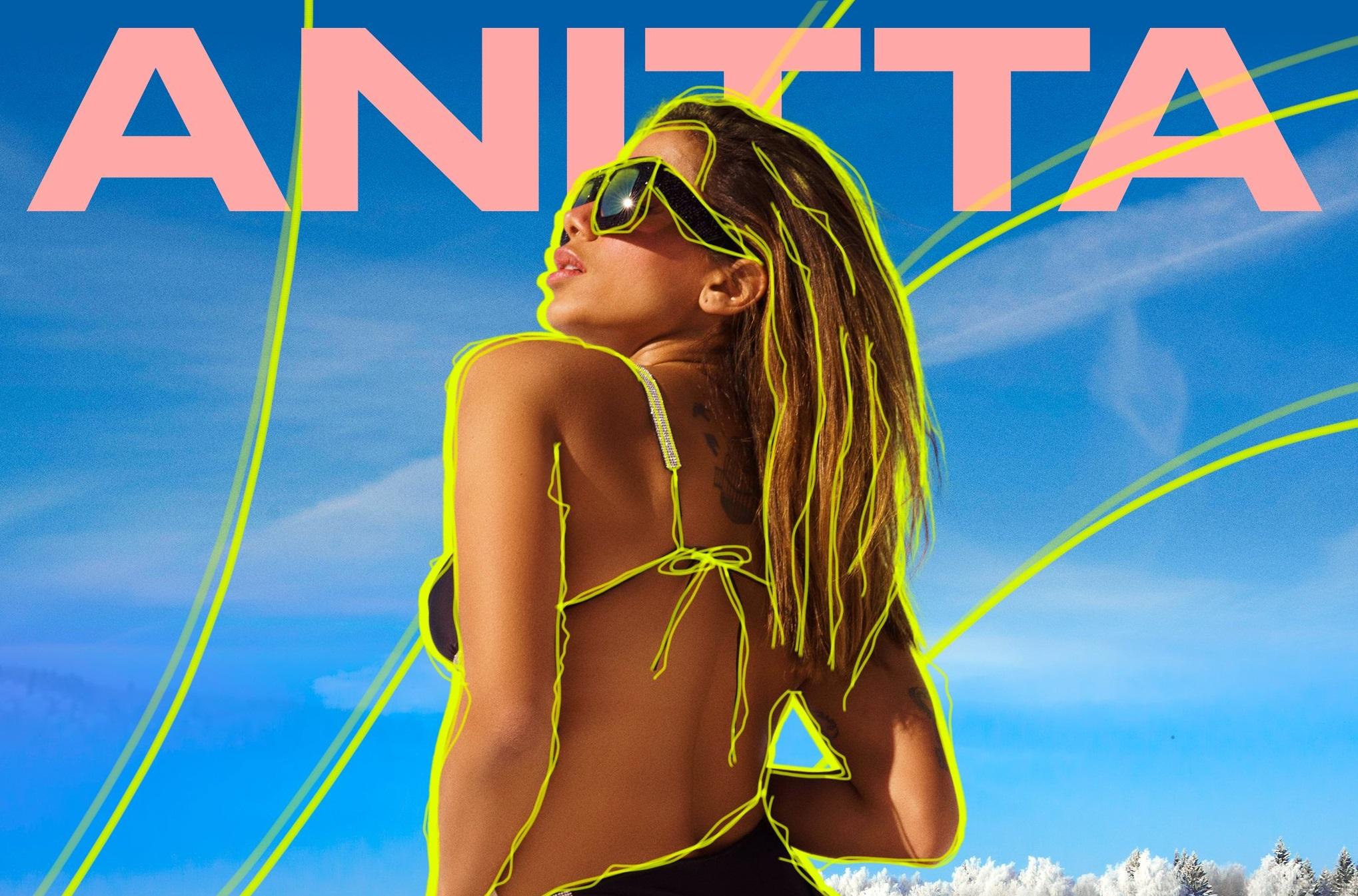 """De biquini, Anitta se diverte na neve no clipe de """"Loco"""""""