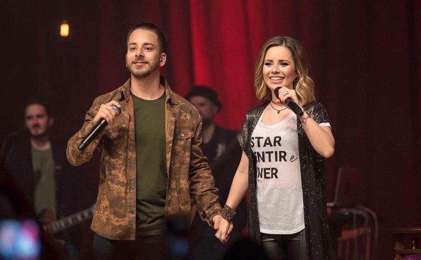 Sandy e Júnior reúne imprensa para falar sobre reencontro no palco
