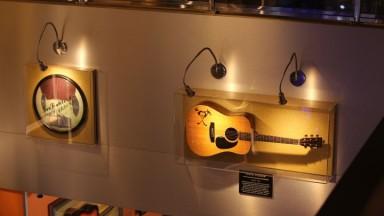 Exposição reúne  peças originais da história da música em Ribeirão Preto