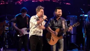 Lucas & Luan grava DVD em homenagem a Milionário & José Rico durante live da Festa do Peão de Barretos